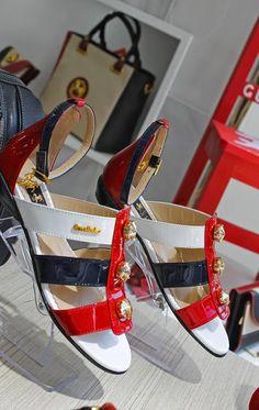 #Asas nos #Pés: #Sandálias #confortáveis | #TrendyNotes #trendy #summer #planas #estilo #conforto #cavalinho