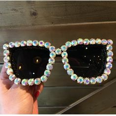 9 design luxury Sunglasses Women Square Vintage sunglasses Bling Rhinestone Sun glasses for Woman Oversize Fashion Shade Types Of Sunglasses, Luxury Sunglasses, Sunglasses Accessories, Fashion Accessories, Vintage Sunglasses, Summer Sunglasses, Oversized Sunglasses, Sunglasses Women Designer, Womens Glasses