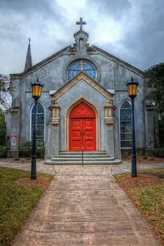 Love to do a photo shoot of all the many beautiful old churches in St. Augustine, located in north Florida, is the oldest permanent European settlement in the United States. Architecture Baroque, Church Architecture, Beautiful Buildings, Beautiful Places, Houses Of The Holy, Take Me To Church, Cathedral Church, Old Churches, Church Building