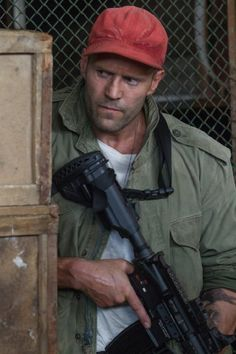 JASON STATHAM - PHOTOS FROM SHOOTING TheExpendables3