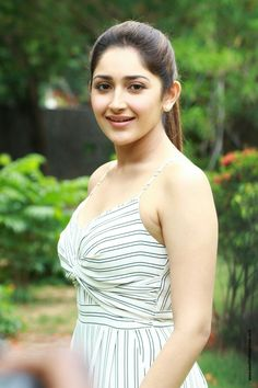 Sayyeshaa Saigal stills at Ghajinikanth movie Press Meet. South Indian Actress Sayyeshaa Saigal latest stills at Ghajinikanth press meet. Beautiful Gorgeous, Beautiful People, Beautiful Women, Bollywood Actress Hot, Indian Bollywood, Indian Models, South Indian Actress, India Beauty, Celebs
