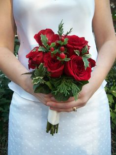 christmas+wedding+bouquets | ... Designs » Blog Archive » Christmas bridal bouquet » MEWS Designs