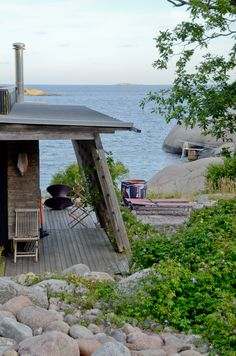 I would love to spend summer here. Cabins And Cottages, Beach Cottages, Norway Beach, Outdoor Spaces, Outdoor Living, Cabana, Summer Cabins, House By The Sea, Beach Shack