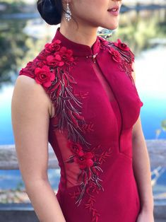We're here to modernize cheongsam (qipao) shopping for your wedding day. Celebrate your culture in style with your Chinese wedding dress. Source by eastmeetsdress dresses wedding Cheongsam Modern, Cheongsam Wedding, Cheongsam Dress, Wine Wedding Dresses, The Dress, Dress Red, Dress Skirt, Custom Dresses, Ladies Dress Design