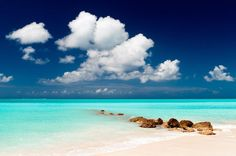 Les îles Turques-et-Caïques abritent une plage exceptionnelle, Pelican Beach