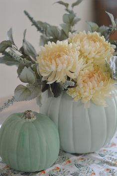 Green Thanksgiving: How-to Make a Pumpkin Vase