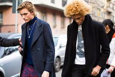 Models Lucky Blue Smith and Michael Lockely exit the Etro show during the Milan Men's Fashion Week Fall/Winter on January 2016 in Milan, Italy. Lucky wears a gray blazer, blue turtleneck,. Get premium, high resolution news photos at Getty Images Milan Men's Fashion Week, Cool Street Fashion, Street Style, Men Street, Street Wear, Fashion News, Fashion Models, Lucky Blue Smith, Nice Dresses
