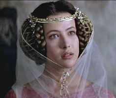 "Sophie Marceau in ""Braveheart"" Isabelle, (hair from the middle ages) Medieval Costume, Medieval Dress, Medieval Fantasy, Historical Hairstyles, Medieval Hairstyles, Medieval Fashion, Medieval Clothing, Historical Costume, Historical Clothing"