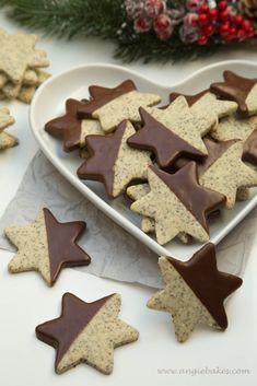 Makové hviezdičky s čokoládou Christmas Baking, Christmas Cookies, Gingerbread Cookies, Cookie Recipes, Cheesecake, Goodies, Food And Drink, Sweets, Advent