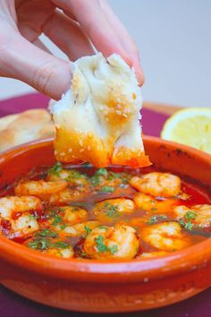 Start your valentine& menu or other dinner with a starter so that you are immediately on fire. View the recipe for hot shrimp here.