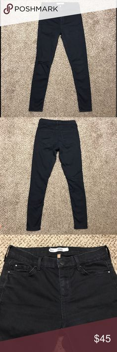 Topshop Leigh jeans In brand new condition! Super soft and comfortable, hugs your curves. Size 26 by 30 Topshop Jeans Skinny