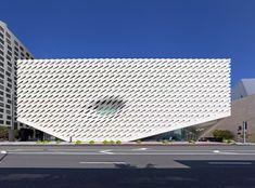 Construido en 2015 en Los Angeles, Estados Unidos. Imagenes por Benny Chan, Iwan Baan, Jeff Duran - Warren Air. The Broades un nuevo museo de arte contemporáneo construido por los filántropos Eli y Edythe Broad en la Gran Avenidadel centro de Los Ángeles. El...