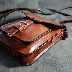 Handmade genuine leather shoulder bags/ tote by FocusmanLeather... Would love to make this...