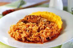 varza dulce cu carne de porc Romanian Food Traditional, Cooked Pork Recipes, Good Food, Yummy Food, How To Cook Pork, Risotto, Macaroni And Cheese, Cabbage, Food And Drink