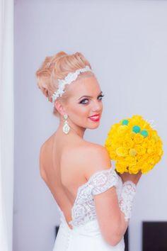 Wedding photography - beautiful  bride, yellow flowers for wedding - bogdan dumitrel photography