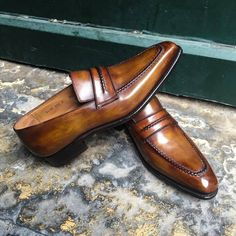 Dress shoes men - Handmade Tan brown Leather shoes for mens, Men Leather moccasins Loafer shoes – Dress shoes men Oxfords, Loafer Shoes, Men's Shoes, Shoe Boots, Dress Shoes, Shoes Men, Dress Clothes, Shoes Style, Wing Shoes