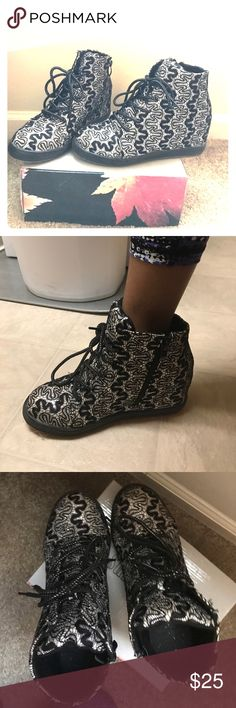 Dazzling black/silverWedge boots My favorite boots are up for grab. From my closet to yours! This boots are the light to the night. Black/ silver shiny wedge boots with glitter.  Size 8.5 these babies will not be around long 😍😍 Summer Rio Shoes Wedges