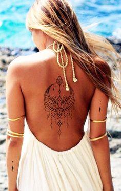 Einzigartige Boho Moon Back Tattoo-Ideen für Frauen - Tribal Lotus Chandelier Spine Tattoo . Unique Boho Moon Back Tattoo Ideas for Women - Tribal Lotus Chandelier Spine Tattoo . Boho Tattoos, Trendy Tattoos, Sexy Tattoos, Cute Tattoos, Body Art Tattoos, Small Tattoos, Ribbon Tattoos, Cross Tattoos, Flower Tattoos