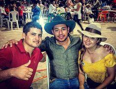Alcalde de Paratebueno alcaldesa de Medina Gestor Social de Medina disfrutando de la ferias y fiestas de #MedinaCundinamarca
