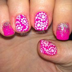 Instagram media orchidnailsandspa - Paisley and Glitter #nail #nails #nailart
