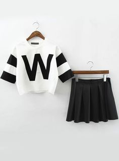 White Short Sleeve W Pattern Crop Top With Pleated Skirt