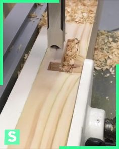Find Out How to Drill Perfect Square with Ease Awesome Woodworking Ideas, Woodworking For Kids, Woodworking Joints, Woodworking Workshop, Woodworking Projects Diy, Woodworking Techniques, Woodworking Furniture, Diy Furniture, Diy Projects