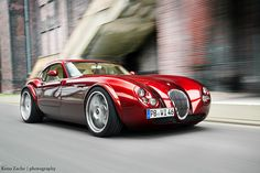 Red Lady | The red lady in motion. Such a beautiful Wiesmann MF4 GT.