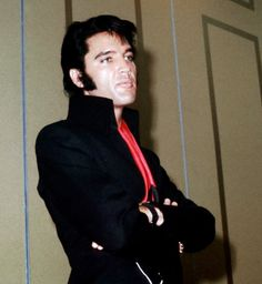 Q: 'Do you think it was a mistake to do so many Movie Sound-Track Albums?' Elvis: 'I think so'..... 'When you do Ten songs in a movie,they can't all be good songs'. 'Anyway',.. 'I got tired of Singing to Turtles' -.Elvis press conference - 1969 in Las Vegas.