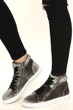 "Cool girls everywhere are flocking to the Steve Madden Earnst Taupe Velvet Sneakers! Taupe-meets-grey velvet covers a rounded toe upper, and zipper-accented vamp with black satin laces. Functioning 5"" gunmetal zipper at the instep."