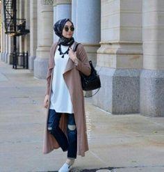 coat sporty hijab look, Sporty hijab street style http://www.justtrendygirls.com/sporty-hijab-street-style/