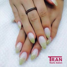 Fresh lime #trannails #nageldesign #nagelstudioerbach #nailart #wallofnails #gel #manicure