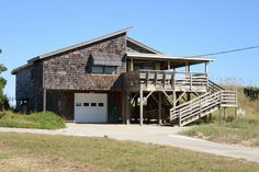 Nags Head Vacation Rental: MacKenzie / Smiley Cottage 064 |  Outer Banks Rentals