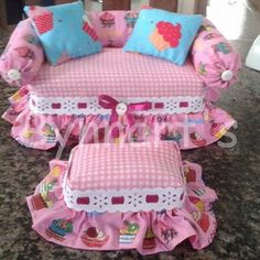 Baby pink princess pet bed Personalized dog bed with tulle skirt Designer pet bed Cat bed Medium or small dog bed puppy bed Dog lover gift Muñeca Diy, Diy Crafts, Doll Furniture, Dollhouse Furniture, Coffee Table And Stool Set, Personalized Dog Beds, Puppy Beds, Dog Beds For Small Dogs, Pink Princess