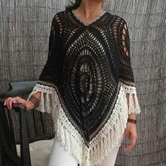 4 granny poncho with fringe Bo-M Col Crochet, Crochet Bolero, Crochet Poncho Patterns, Crochet Jacket, Crochet Woman, Crochet Cardigan, Crochet Scarves, Crochet Clothes, Knooking