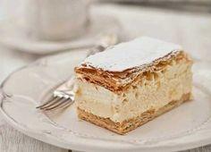 Vanilla cream puff recipe (hit tranlate for english! Custard Desserts, Gourmet Desserts, Delicious Desserts, Yummy Food, Beignets, Puff And Pie, Cream Puff Recipe, Crescent Recipes, Buy Cake