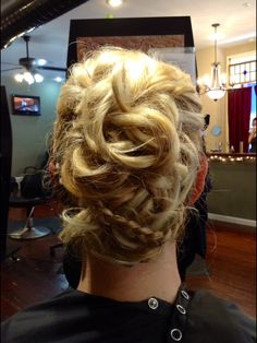 #blonde #updo #trendy #different #gorgeous #curls #stylekrafters #beauty