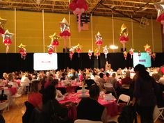 American girl fashion show had the cutest decorations! Tons of great party ideas!!!