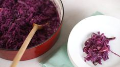 Recipes Red Cabbage : Braised Red Cabbage with Apple and Onion- Everyday Food with Sarah Carey - Recipes Red Cabbage Video Recipes Red Cabbage Sarah Carey shares a simple and straightforward recipe that's the ideal combination of sweet and tart. Yam Or Sweet Potato, Sweet Potato Recipes, Veggie Recipes, Healthy Recipes, Stewed Potatoes, Roasted Sweet Potatoes, Potato Stew Recipe, Red Cabbage With Apples, Braised Red Cabbage