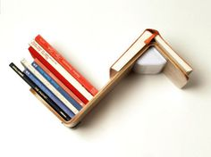 Lililite Reading Lamp EUR What a nifty little gadget: a shelf lamp Minimalist Bookshelves, Creative Bookshelves, Bookshelf Design, Creative Bookmarks, How To Make Bookmarks, Shelf Lamp, Home Library Design, House Design, Home And Deco