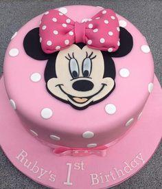 Ideas Cake Desing Compleanno Topolino For 2019 Mini Mouse Birthday Cake, Mini Mouse Cake, Minnie Mouse First Birthday, Baby Birthday Cakes, Mickey Birthday, 2nd Birthday, Torta Minnie Mouse, Minnie Cake, Mickey Cakes