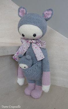 KIRA the kangaroo made by damecrapouille / crochet pattern by lalylala