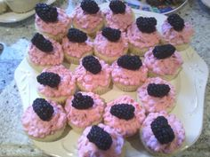 Lemon blackberry cupcakes
