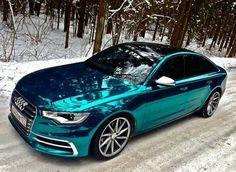 Metallic green/blue Audi