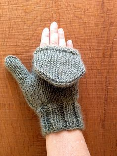 Gradient Flip Top Mittens Free Knitting Pattern