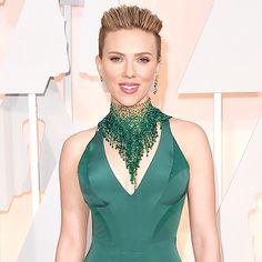 Scarlett Johansson attends the 87th Annual Academy Awards 2015.