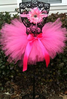 Pink Passion Hott pink full and fluffy tutu comes with with matching Daisy Headband!!! :)      All Tutus are made to order ....for the best fit we