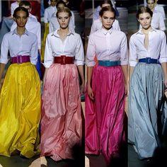 #CarolinaHerrera #Fall18 #AW18 #NYFW #FashionWeek . . . . . #moda #fashion #outfit #style #peinados #hairstyles #maquillaje #makeup #modelo #model #pasarela #runway #falda #skirt #yellow #pink #blue #classy