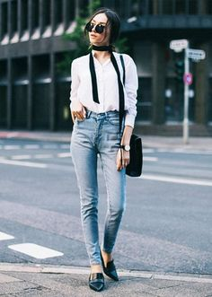 The Simple Fall Accessory That Will Instantly Transform Any Outfit: The Skinny Scarf – Closetful of Clothes Tumblr Herbst Outfits, Tumblr Fall Outfits, Fashion Mode, Look Fashion, Autumn Fashion, Fashion Outfits, Fashion Trends, Fashion Bloggers, Autumn Look