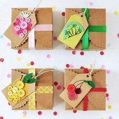 We love craft ideas that are out of the box. Like these gift tags from Get the steps and supplies to make your gifts one of a kind. Easy Diy Crafts, Handmade Crafts, Fun Crafts, Crafts For Kids, Creative Gift Wrapping, Creative Gifts, Cute Gift Wrapping Ideas, Wrapping Presents, Diy Christmas Gifts