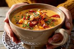 """Our popular recipe for Cheddar pot """"Novemberglück"""" and more than other free recipes on LECKER. Our popular recipe for Cheddar pot """"Novemberglück"""" and more than other free recipes on LECKER. Healthy Chicken Recipes, Crockpot Recipes, Rice Recipes, Vegetarian Recipes, Dinner Recipes, Soup Recipes, Healthy Soup, Avocado Dessert, Cheddar"""